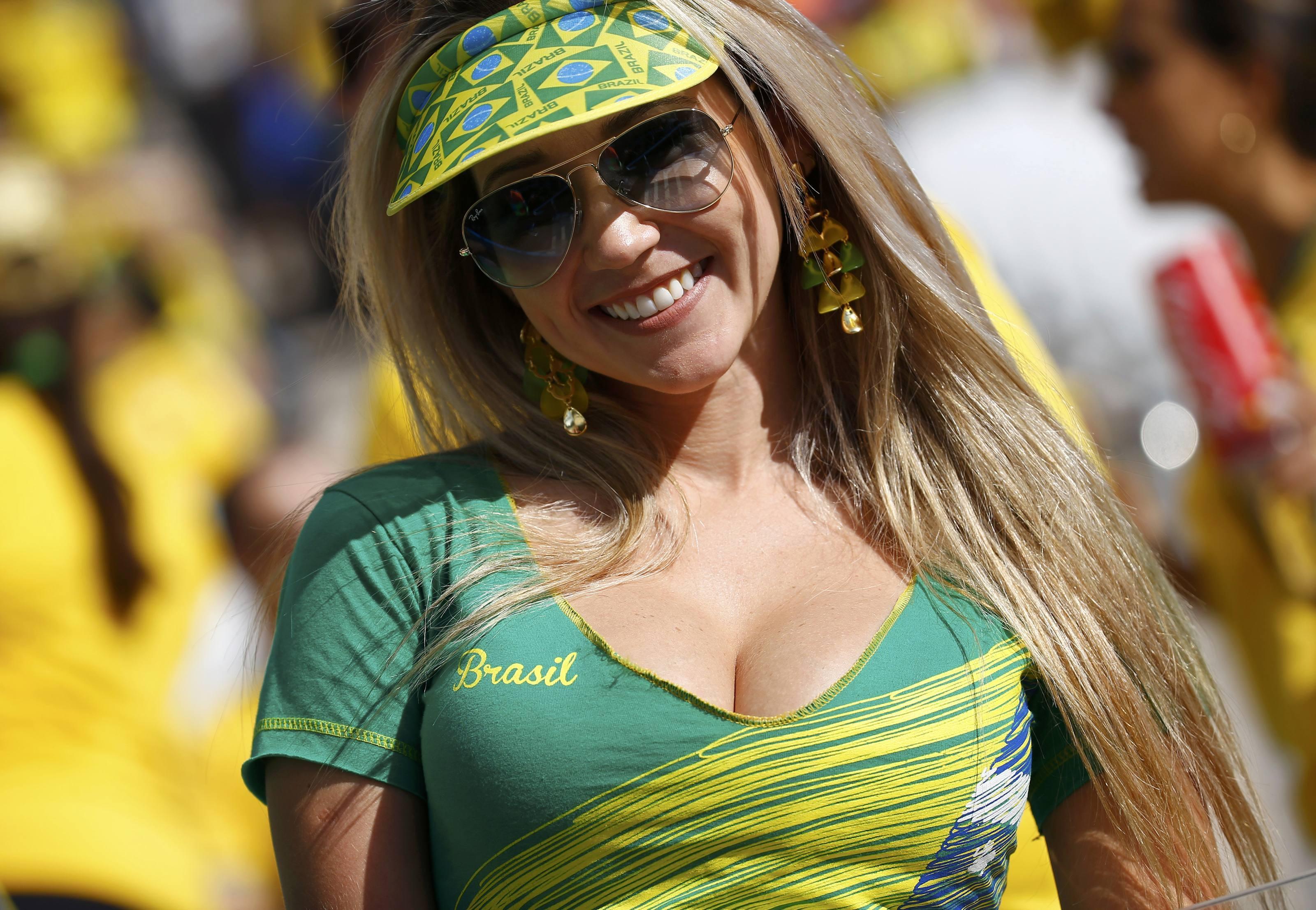 Самые сексуальные бразильские болельщицы 1 фотография
