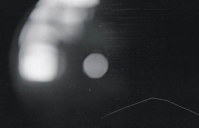 Есть мнение, что на последнем снимке дятловцев запечатлена падающая ступень ракеты.
