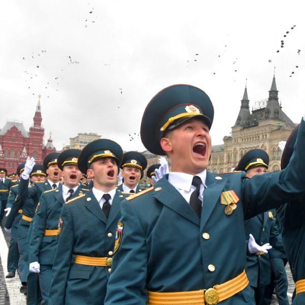 Выпускной МЧС на Красной площади