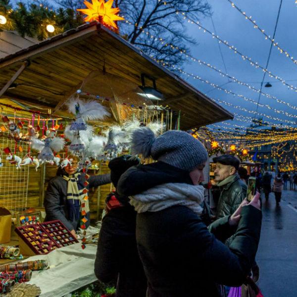 Где купить подарки на Новый год в Санкт-Петербурге