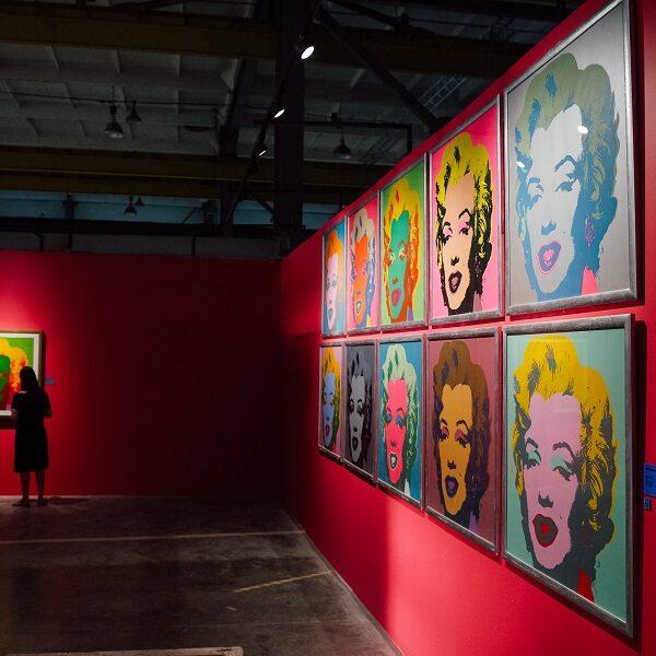 Выставку Энди Уорхола в Санкт-Петербурге продлили