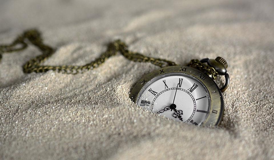 Часы продать сломанные стоимость стадион наручные чайка часы