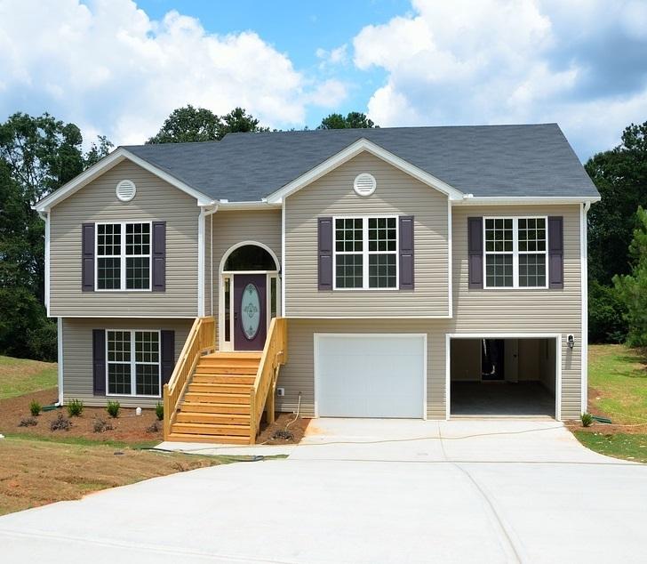 Скільки коштує побудувати будинок своїми руками