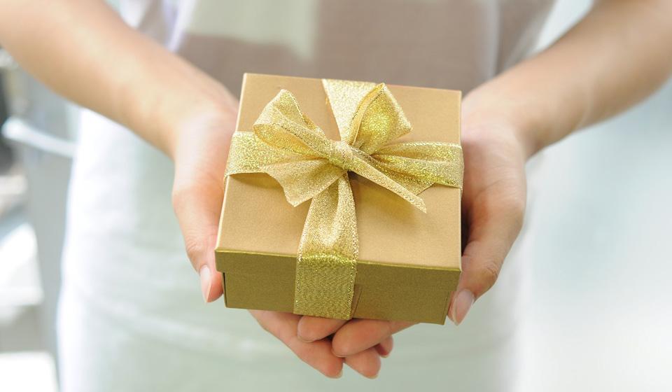 722ba5135eb95 Что подарить одноклассницам на 8 марта: идеи необычных подарков девочкам