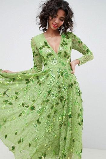 e7e002c7e6a Не идет зеленый - наденьте терракотовое платье и сопроводите его золотыми  украшениями. Понравятся Крысе также металлик и всевозможный люрекс