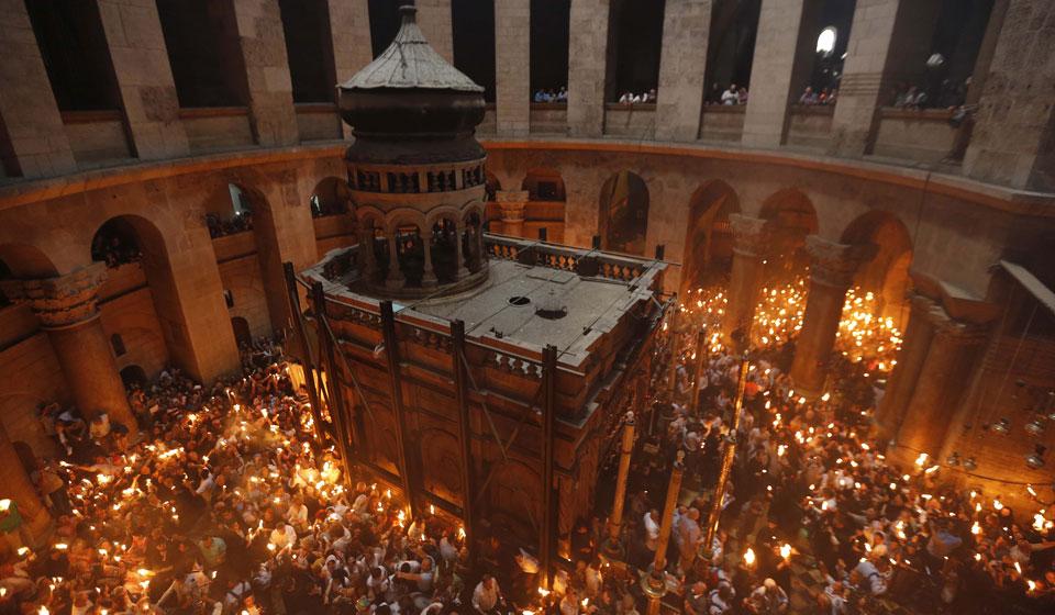 Схождение Благодатного огня 2020 в Иерусалиме: когда и где сходит, история, церемония