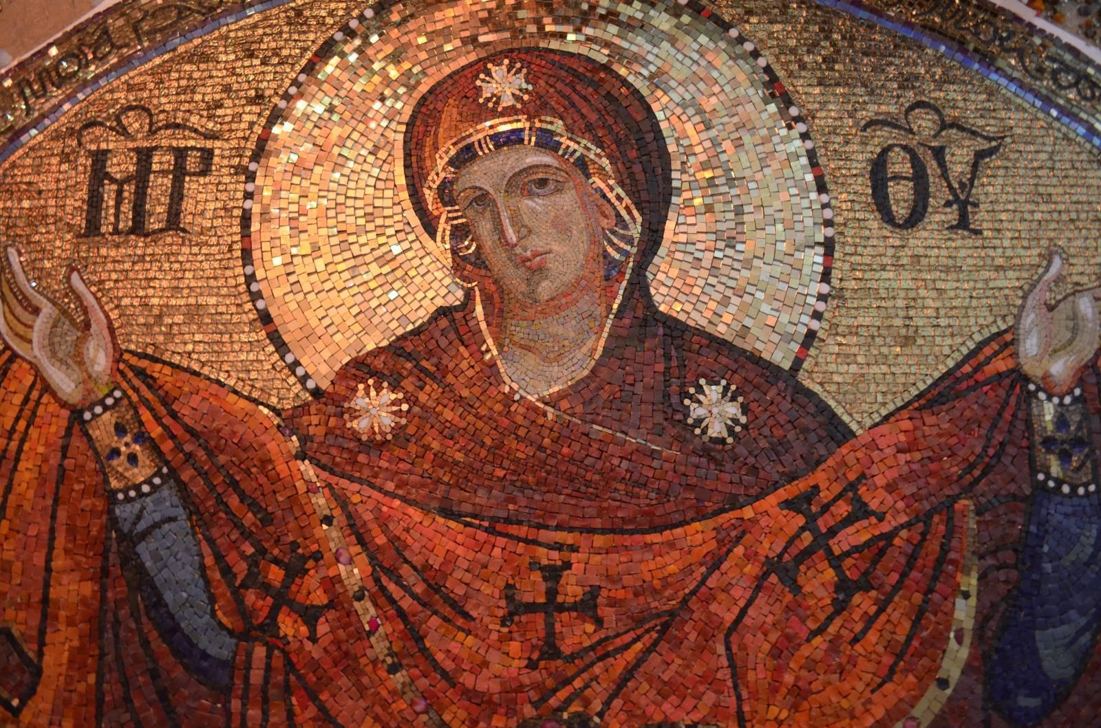 Покров Пресвятой Богородицы 2019: какого числа, история и традиции праздника