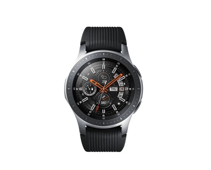cae30d6f2f7c Смарт-часы Samsung Galaxy Watch в серебристом корпусе со строгим черным  ремешком стильно смотрятся на мужской руке. Сенсорный экран диагональю 1,3  дюйма ...