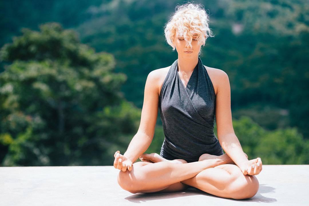 Медитации Йога Для Похудения. Польза йоги для похудения для начинающих в домашних условиях, программа занятий для красивой фигуры