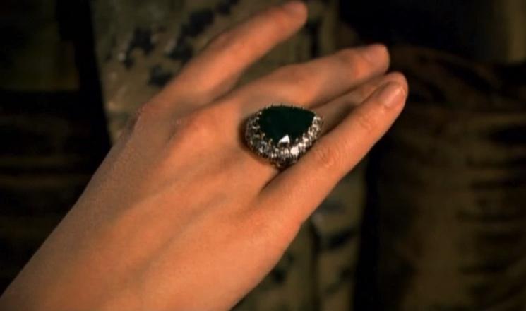 Что случилось с изумрудным кольцом Хюррем-султан, подаренным ей Сулейманом, после ее смерти