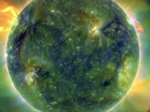 Солнечные вспышки обладают мощностью 100 водородных бомб, и потому могут вызвать в 20 раз больше ущерба, чем ураган «Катрина».