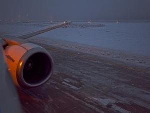 """Взгляд на """"взлетку"""" из самолета: недружелюбная обстановка"""