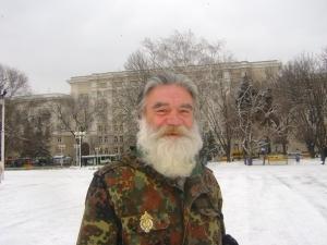 В Ростов прибыл паломник из Иркутска, прошедший пешком около четырех тысяч километров. Фото Янина ХУЖИНА.