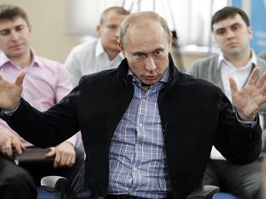 Путин пообещал студентам повысить стипендии и построить общежития