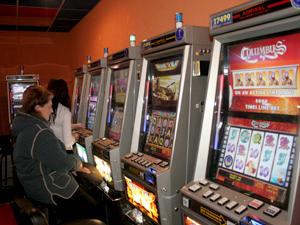 В бывших игровых салонах Набережных Челнов открывают аптеки, магазины и столовые