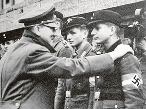 Гитлер мечтал стать вершителем судеб мира, стать ровней лидерам США и Великобритании, но требовалось от него не это, а задавить СССР.
