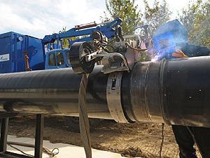 """Первые 100 километров труб магистрального газопровода  """"Сахалин - Хабаровск - Владивосток """" проложено по территории..."""