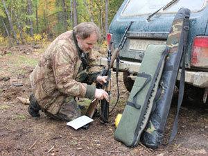У браконьеров изымают незаконные ружья. Фото автора.