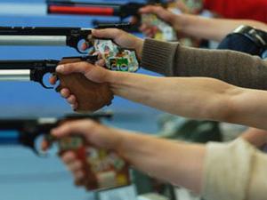 300 человек участвовали в соревнованиях по пулевой стрельбе.