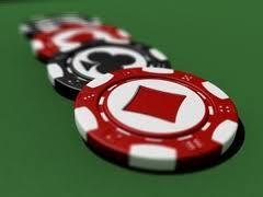 Из казино изъяли фишки, игральные карты и три покерных стола