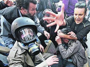 Простой народ не проведешь: греки не хотят платить из своих карманов за убытки банков и корпораций. Они вышли на улицы.