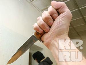 В Кемерове женщину, раздающую приглашения на выборы, ранили ножом