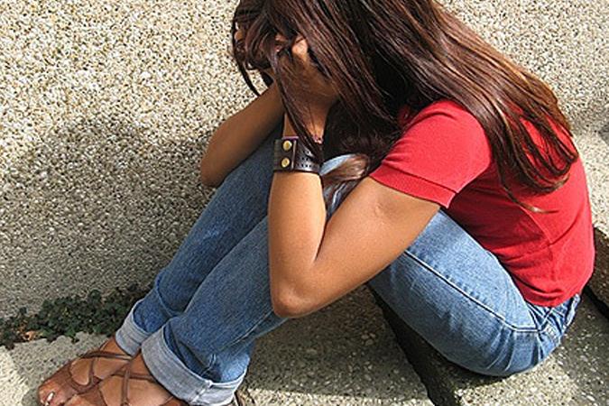 Житель Колпино задержан за изнасилование шестиклассницы, с которой он позна