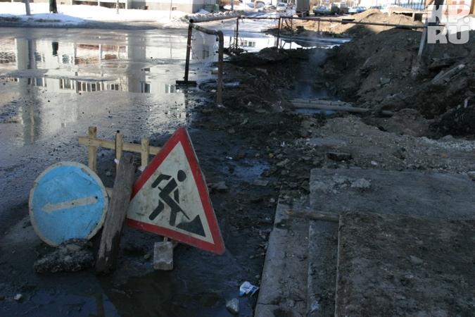 Две основные артерии, которые могут обеспечить приемлемое движение через город - Восточный и Мигаловский мосты сейчас...