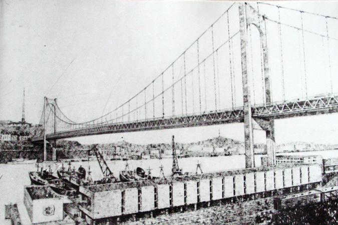 Мост через Золотой Рог едва не
