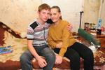 Школьник из Добрянки со второго класса ухаживает за парализованной мамой