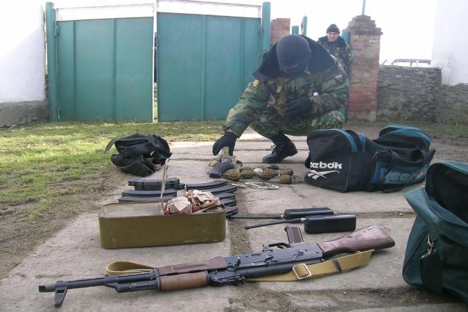 В Дагестане найдены два схрона с оружием