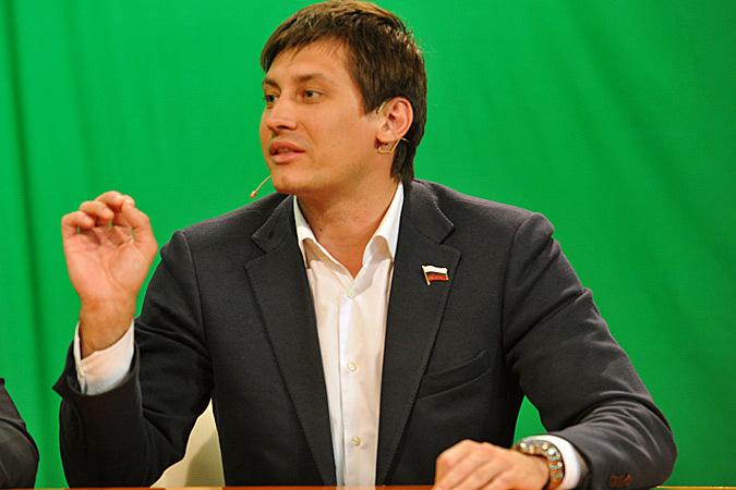 Дмитрий Гудков написал, что просто свел знакомых Фото: Анатолий ЖДАНОВ