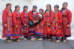 Party For Everybody dance: Бурановские бабушки поздравили пермский зоопарк с юбилеем