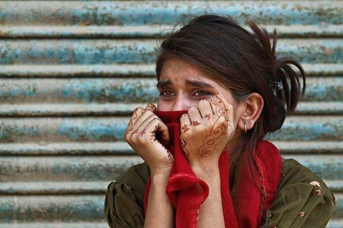 Двух девушек в Индии приговорили к изнасилованию