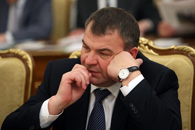 Адвокат Сердюкова не подтвердил присвоение экс-министру звания героя России