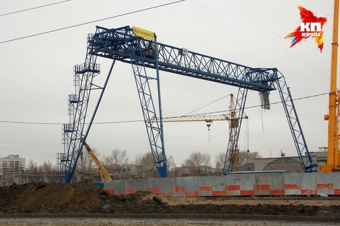 Строящемуся мосту на Монтажников в Тюмени предложили присвоить имя Калашникова Одна из партий направила такое...