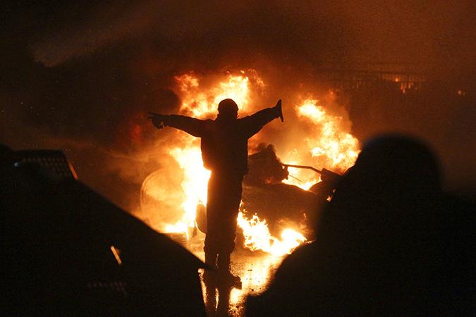 поступающие из сердца противостояния, невероятны. вышли на улицы и сделали площадь Независимости, она же Майдан...