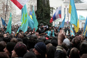 Верховный Совет и Совет министров Крыма захвачены вооруженными людьми