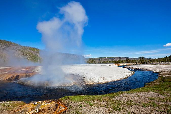 Вулкан Йеллоустоун может стать причиной конца света // KP.