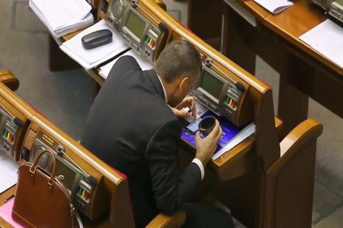 Против судей, которые пытались снять арест с ценных бумаг Януковича, возбуждено дело, - ГПУ - Цензор.НЕТ 9525