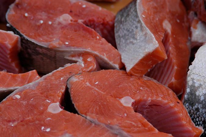 Норвежский лосось поступает из Беларуси в РФ