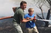 Десятилетний школьник остановил огонь, подступавший к деревне