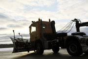 На взлетке во время крушения во Внуково находились две снегоуборочные машины