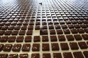 38-летний мужчина вынес из супермаркета в карманах одежды 118 плиток шоколада