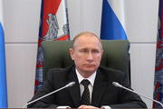 Владимир Путин — военным: Вы уберегли жителей Крыма от большой беды