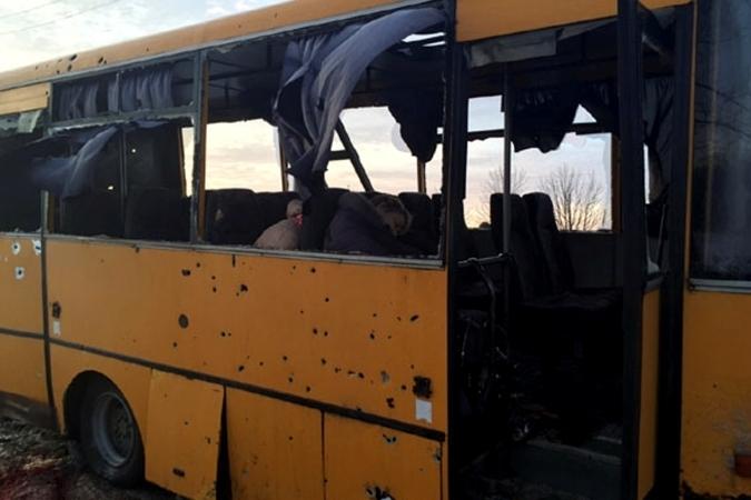 В больнице скончался еще один раненый при обстреле автобуса …