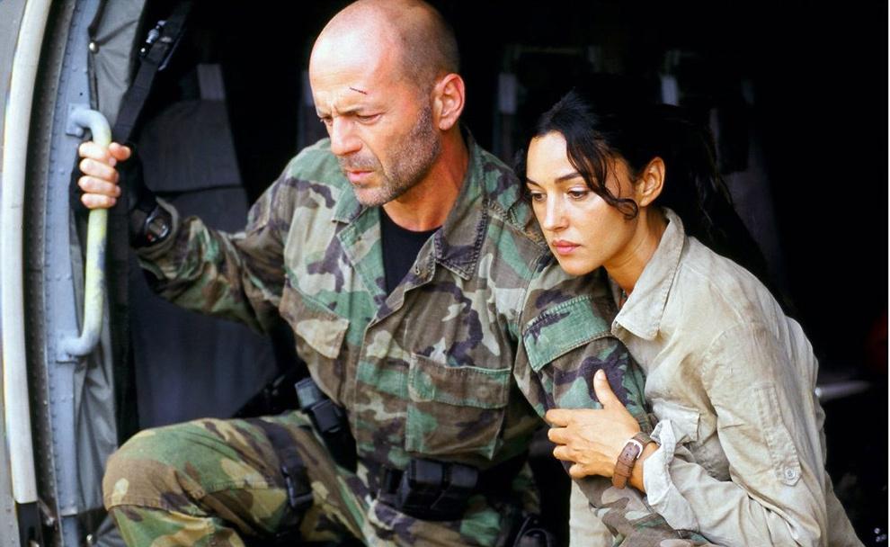 Девушка и спецназовец фото