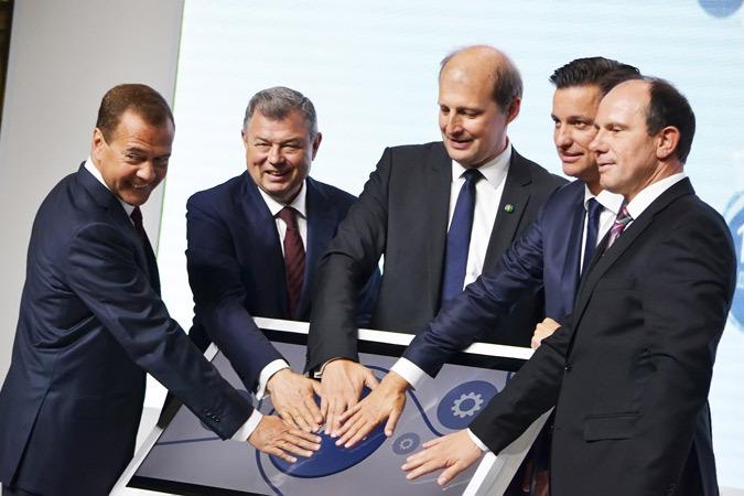 Медведев открыл в Калуге