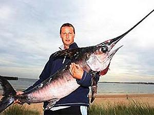 На Балтике рыболов-любитель поймал меч-рыбу.