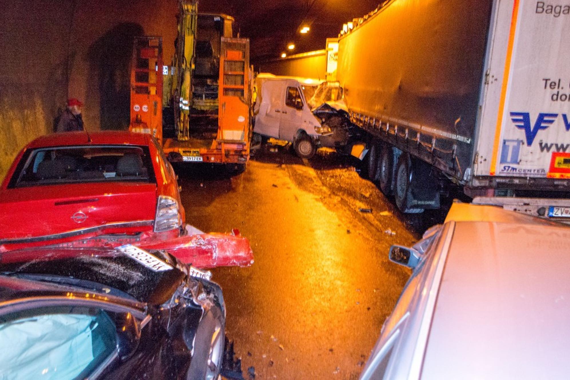 В Болгарии произошло крупное ДТП с участием более 50 автомобилей